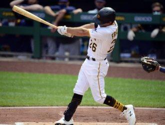 Pittsburgh Pirates  Adam Frazier Singles to Drive in Run