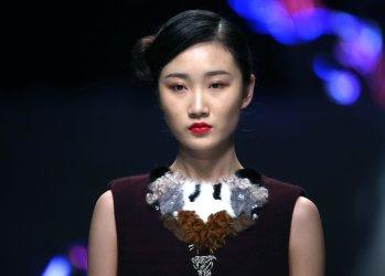 China fashion week showcases Zoual Yanti designs in Beijing