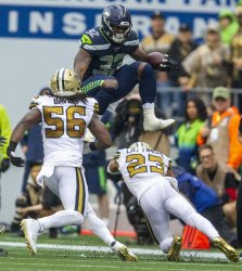 New Orleans Saints lead the Seattle Seahawks  20-7 at halftime in Seattle