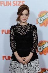 """Jane Levy attends the """"Fun Size"""" premiere in Los Angeles"""