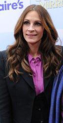 "Julia Roberts attends the ""Mirror Mirror"" premiere in Los Angeles"