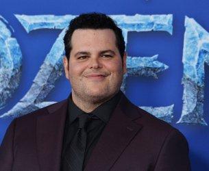 """Josh Gad attends """"Frozen II premiere"""" in LA"""