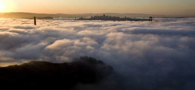 Low fog cools San Francisco