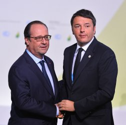 Matteo Renzi Arrives at Opening of UN Climate Summit Near Paris