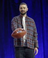 Justin Timberlake speaks at Super Bowl LII press conference