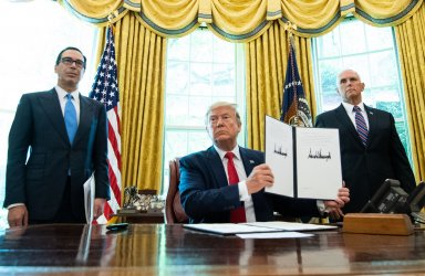 President Trump implaments aditional sanctions on Iran at the White House