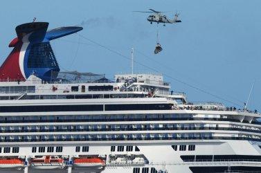 Carnival Splendor Cruise Ship Lies Dead in the Water