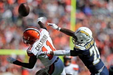 Chargers Hayward Jr. breaks up pass for Browns Callaway