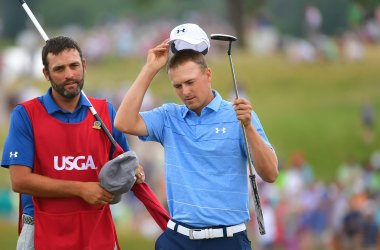 Jordan Spieth tips cap after final round of U.S. Open golf tournament