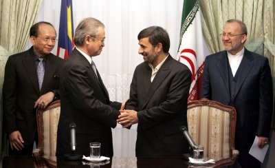 Iranian President Ahmadinejad meets Malaysian Prime Minister Abdullah Ahmad Badawi  in Tehran