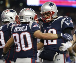 Patriots Brady and Amendola celebrate game winning touchdown in the AFC Championship