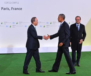 Obama, Ban Ki-moon and Hollande Arrive at Opening of UN Climate Summit Near Paris