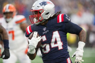 Patriots Hightower fumble recovery against Browns