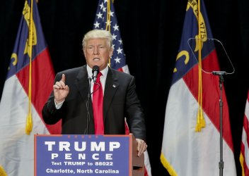 Donald Trump gives a campaign speech in Charlotte