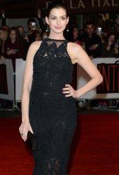 Anne Hathaway attends The Intern premiere in London