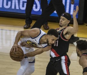Curry vs Curry in Conference Finals
