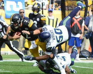 Steelers Quarterback Mason Rudolph Scrambles for Seven Yards