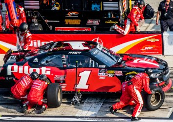 Michael Annett Wins 2019 NASCAR Racing Experience 300