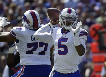 Buffalo QB Tyrod Taylor throws downfield against Baltimore