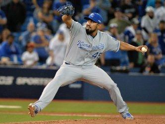 Royals Morales shuts down Blue Jays