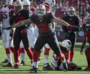 49ers Aaron Lynch stops Arizona Cardinals Chris Johnson