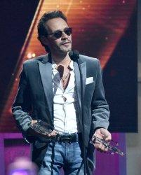 Marc Anthony accepts an award at the  2017 Billboard Latin Music Awards