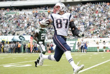 Patriots Rob Gronkowski looks back running into the endzone