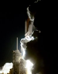 Early morning liftoff of Atlantis on STS-101 mission