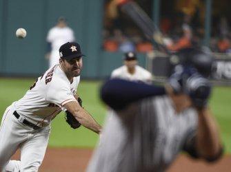 Astros Verlander throws against the Yankees in the ALCS
