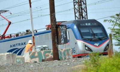 Amtrak resumes train servie following deadly derailment in Philadelphia