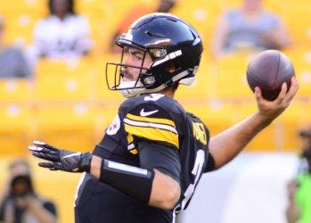 Steelers QB Landry Jones throws against Philadelphia Eagles