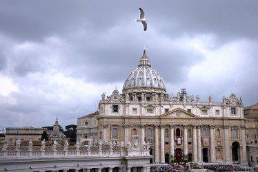 Pope Francis celebrates Easter Mass in St. Peter's Square