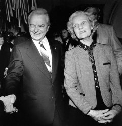 SENATOR ROBERT BYRD AND HIS WIFE ERMA GREETING A WELL-WISHER