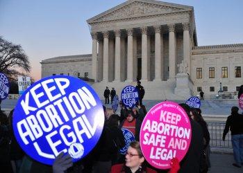 Pro-choice and pro-life protesters mark Roe v. Wade anniversary in Washington