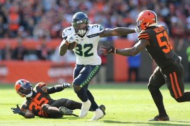 Seahawks Carson runs through Browns