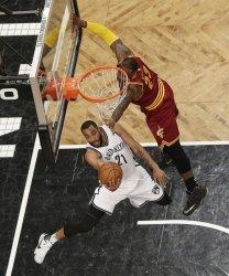 Cavaliers LeBron James defends Brooklyn Nets Wayne Ellington