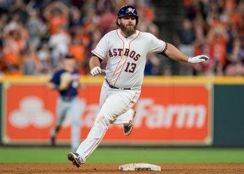 Astros' Tyler White reaches second base