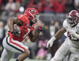 Georgia Bulldogs running back D'Andre Swift runs the ball  against Alabama in the National Championship