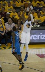 Warriors Marreese Speights adds three against Oklahoma City Thunder