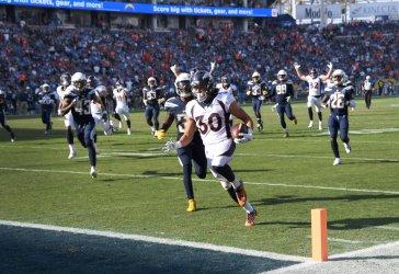 Broncos scores a touchdown