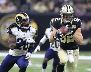 Saints' Coby Fleener takes Drew Brees pass 31 yards