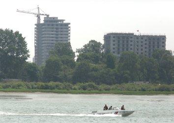 Tourists visit North Korea and Dandong border