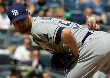 Tampa Bay Rays pitcher Alex Cobb pitches to New York Yankees