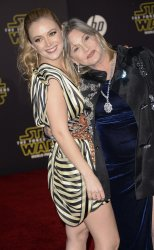 """Carrie Fisher and Billie Lourd attend the premiere of """"Star Wars: The Force Awakens"""" in Hollywood"""