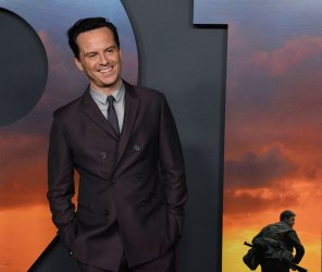 """Andrew Scott attends the """"1917"""" premiere in Los Angeles"""