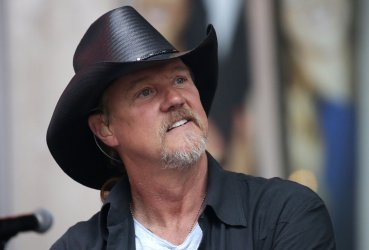 Trace Adkins performs on Fox and Friends