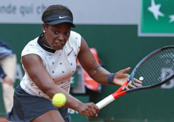 Sloane Stephens plays her second round match at the French Open