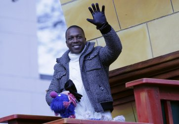 Leslie Odom Jr. at Macy's Thanksgiving Day Parade