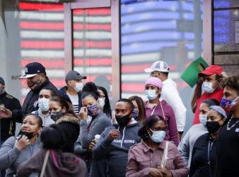 Number of U.S. Coronavirus Deaths Reaches 200,000 in USA