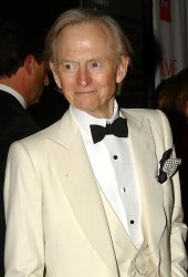 TOM WOLFE ANNOUNCES RETURN TO NON FICTION WRITING